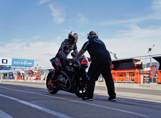 Moto2 Silverstone, sorride Nakagami; Pasini (2°) e Morbidelli a podio
