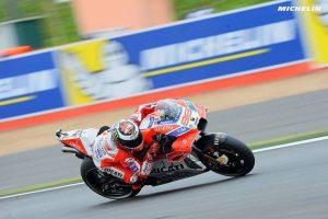 MotoGP Silverstone, FP4: Lorenzo precede Dovizioso, Rossi è nono
