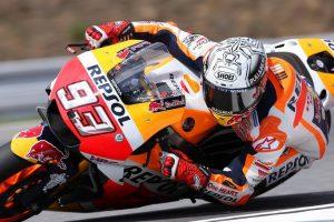 MotoGP Brno: Pole per Marc Marquez, Rossi secondo precede Pedrosa