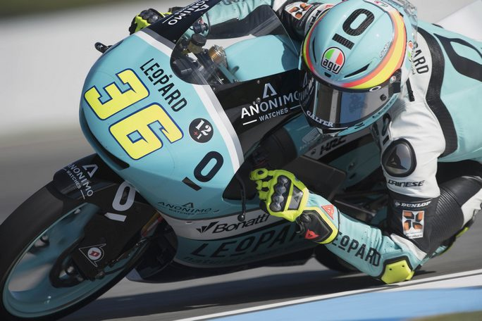 Enea Bastianini parte quarto in Moto3, pole per Mattia Pasini in Moto2