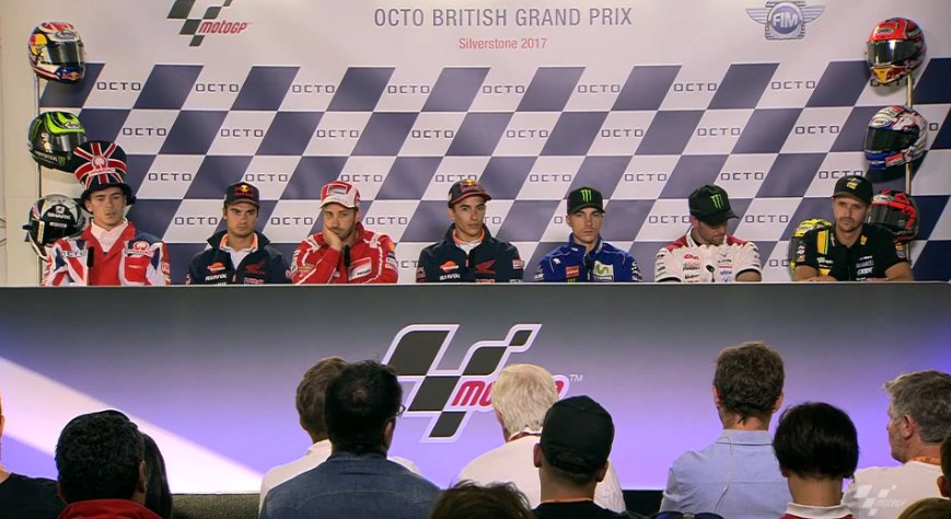 Valentino Rossi ride e rassicura sul suo futuro