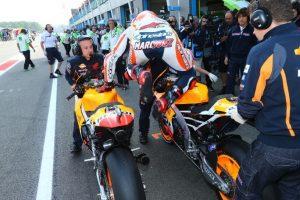 """MotoGP: FP2 di Silverstone con il """"lecca lecca"""""""