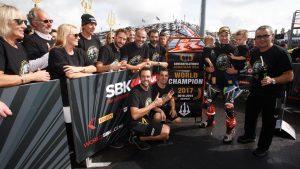 SBK, Pirelli French Round, Gara1: Jonathan Rea ora è leggenda