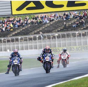 SBK, Pirelli French Round, Gara1: difficoltà per il team Pata Yamaha