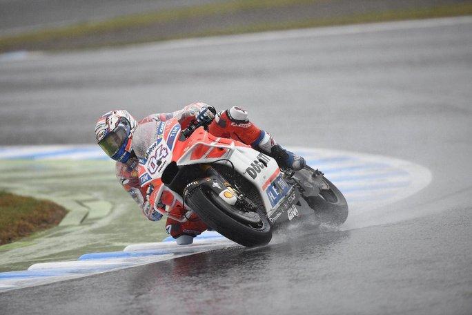 MotoGP Motegi FP2: Dovizioso in testa, Marquez secondo con crash, Rossi fuori dalla Top Ten