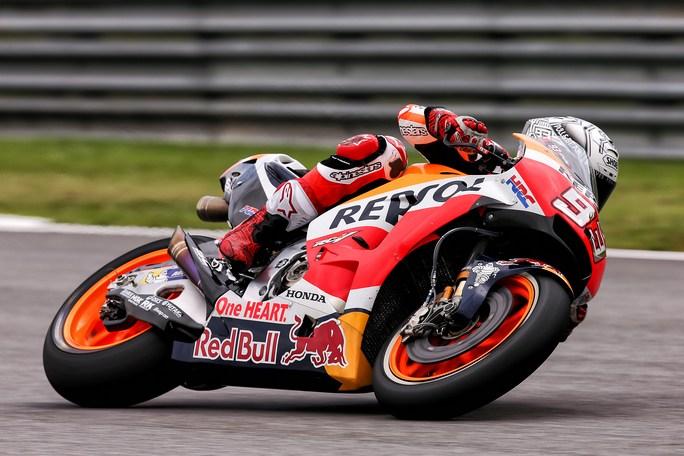 MotoGP Sepang FP4: Marquez detta il passo, Dovizioso in scia