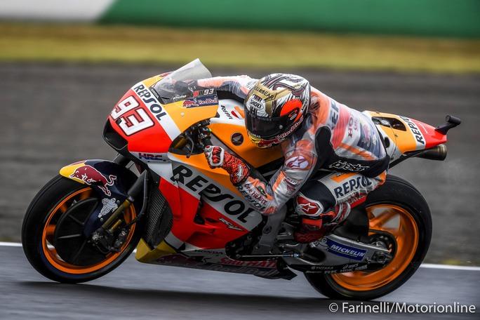 MotoGP Motegi Warm Up: Dominio Marquez sotto il diluvio, crisi Yamaha