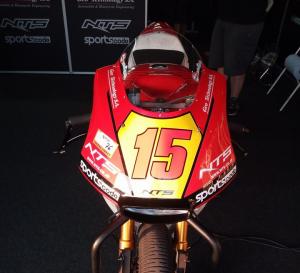 Moto2: Alex De Angelis in pista con la nuova NTS