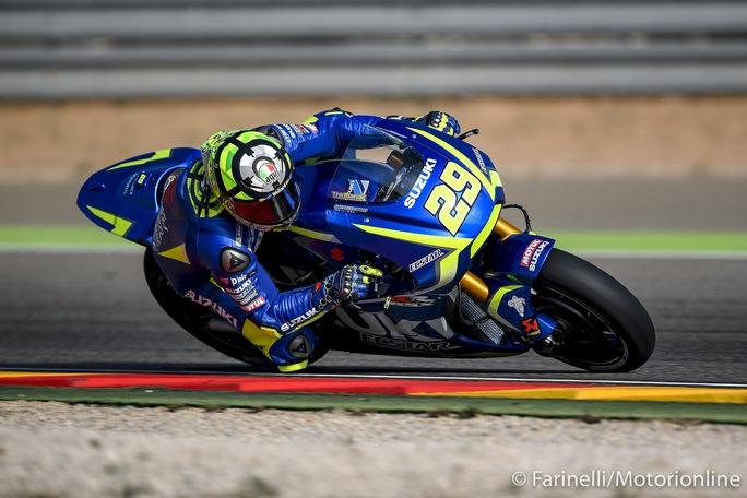 MotoGP Valencia FP1: Iannone al Top, Marquez marca Dovizioso