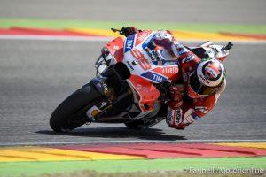 """MotoGP Valencia FP2: Lorenzo alza la """"voce"""", Dovizioso terzo, Marquez a terra"""