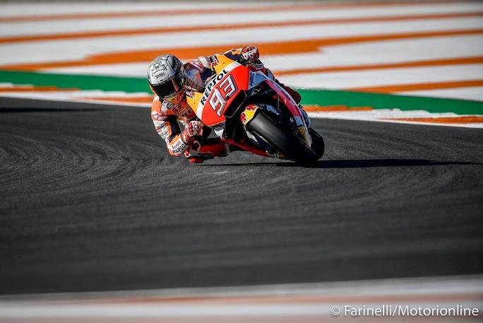MotoGP Valencia FP3: Marquez il migliore, Dovizioso arranca, Rossi evita le Q1