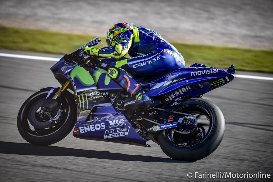 """MotoGP Valencia Gara: Rossi, """"Abbiamo usato il telaio 2016, ma rimane il problema delle gomme"""""""