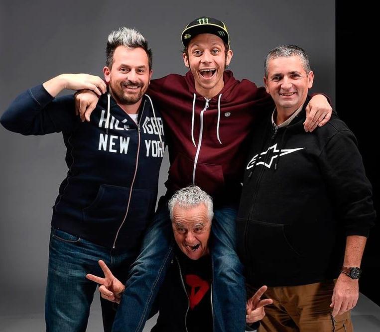 MotoGP | Valentino Rossi e i suoi fotografi di fiducia