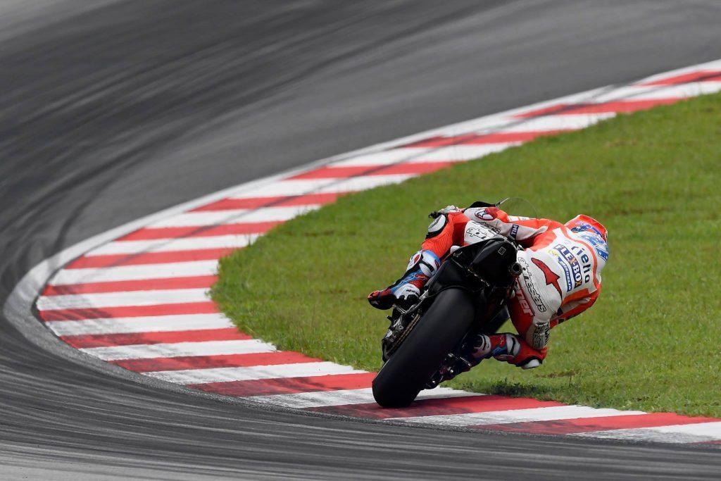 MotoGP: Casey Stoner in pista a Sepang