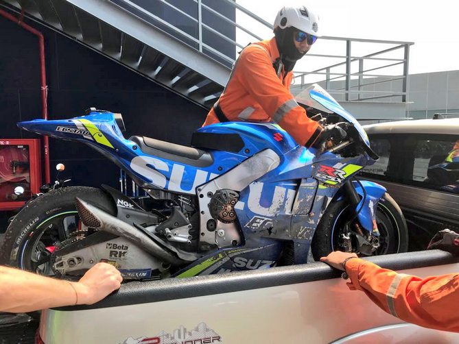 Big Crash <strong>Alex Rins</strong> Suzuki Chang International Circuit Buriram, in Thailandia