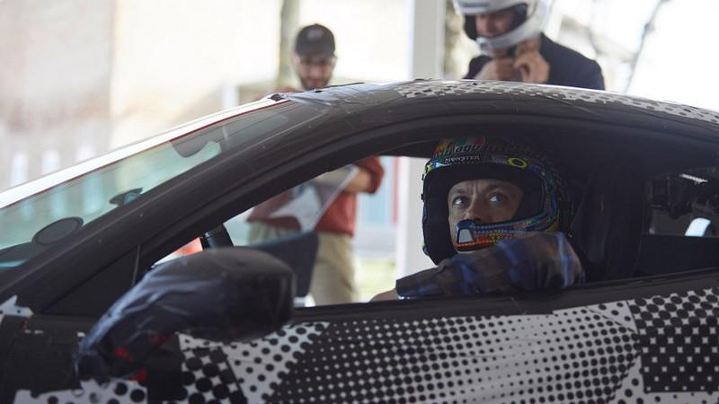 MotoGP | Valentino Rossi: test driver per la nuova Ferrari 488 Pista [Foto e video]