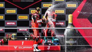 SBK   Pirelli Aragon Round, Gara 2: Davies fa uscire il sette al Motorland