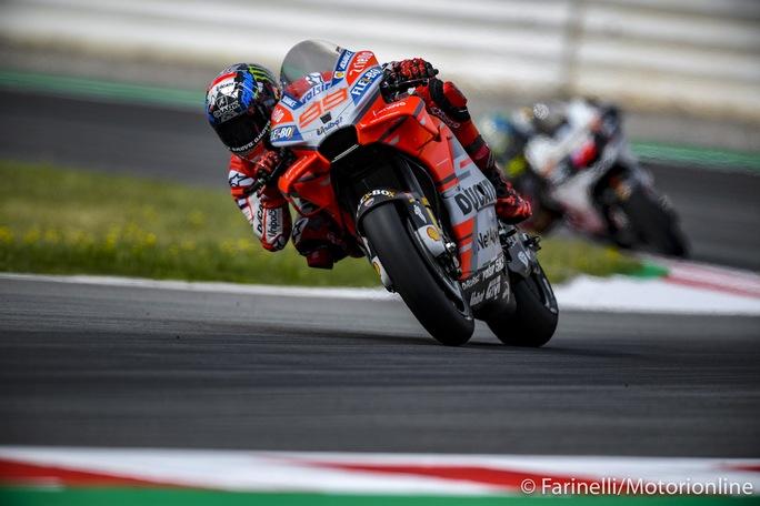 MotoGP | Gp Barcellona Qualifiche: Lorenzo in pole , Dovizioso in prima fila, Rossi è settimo