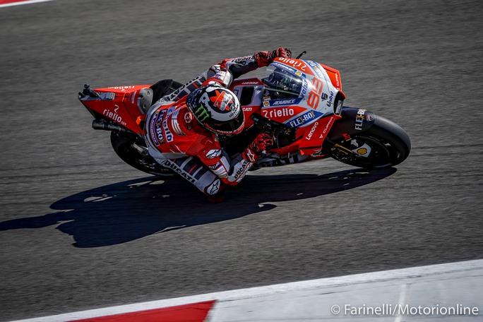 MotoGP | Gp Sachsenring FP2: Lorenzo e Petrucci portano la Ducati al Top, Rossi fuori dalla Top Ten