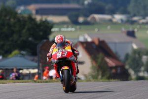 MotoGP | Gp Germania Qualifiche: Marquez stratosferico beffa Petrucci, Rossi sesto