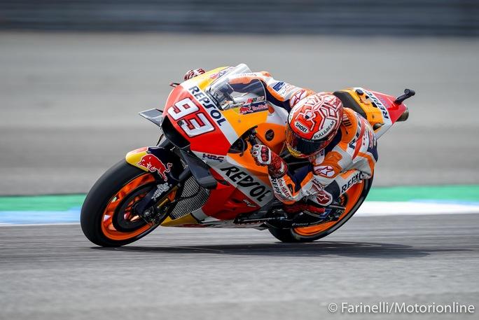 MotoGP | Gp Thailandia Gara: Marquez Dovizioso Show, ma è lo spagnolo ad avere la meglio
