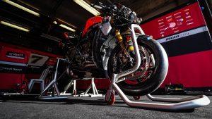 SBK | Pirelli Qatar Round: Davies punta alla vittoria