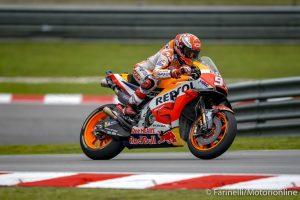 MotoGP | Gp Malesia Gara: Rossi cade mentre è in testa, Marquez vince, Dovizioso è sesto