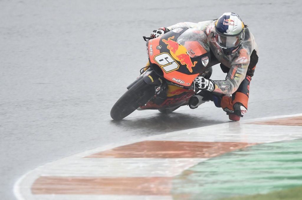 Moto3 | Gp Valencia Gara: La favola di Oncu diventa realtà, vince al debutto sul bagnato