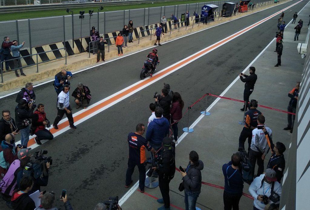 MotoGP | Valencia Test mattina: Il meteo rallenta i piani, al momento Petrucci il più veloce