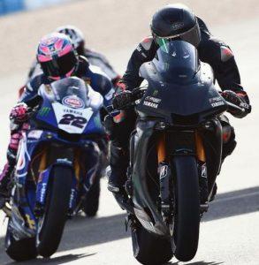 """Hamilton a """"due ruote"""", Rossi lo invita al Ranch"""