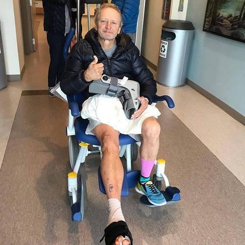 Kevin Schwantz | Infortunio e intervento al piede dopo una caduta con la moto da cross