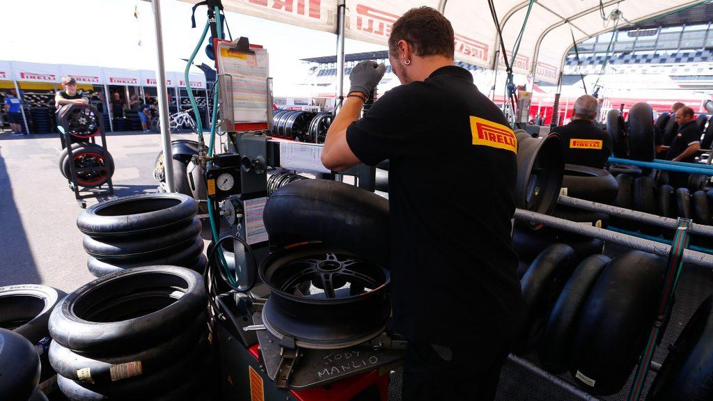 Superbike   Pirelli presenta la gamma DIABLO 2019