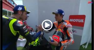 MotoGP   Gp Argentina: La stretta di mano tra Marquez e Rossi un anno dopo [VIDEO]