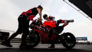 Superbike | Round Aragon: Davies punta al vertice