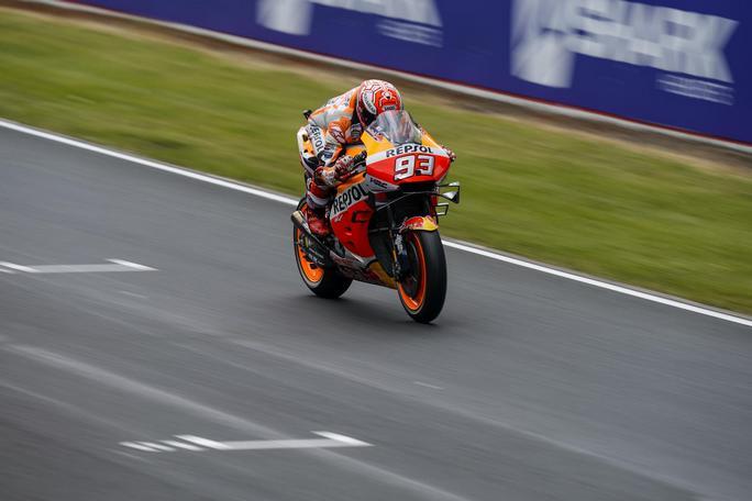 MotoGP   Gp Le Mans: Pole a Marquez, Petrucci in prima fila, Rossi è quinto [VIDEO]