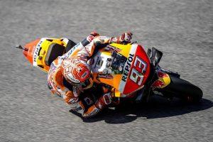 MotoGP | Gp Barcellona FP1: Marquez in vetta, Rossi è nono