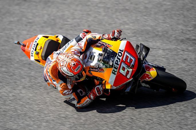 MotoGP   Gp Barcellona FP1: Marquez in vetta, Rossi è nono