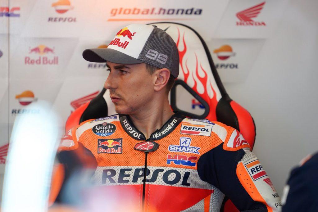 MotoGP | Gp Assen: Lorenzo, frattura alla vertebra, salterà il resto del weekend [VIDEO]