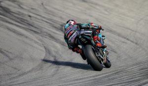 MotoGP | Gp Assen FP1: Quartararo in vetta, brutta caduta per Lorenzo