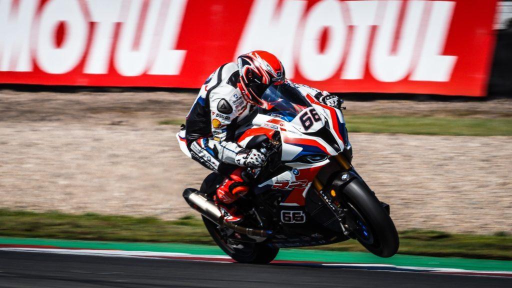 Superbike | Round Donington, FP2: Sykes resta al comando