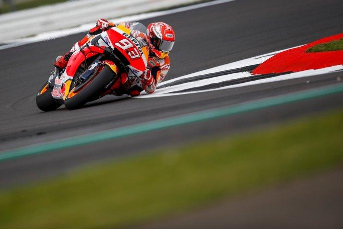 "MotoGP | Gp Silverstone Day 1: Marc Marquez, ""Yamaha meglio sul passo"" [VIDEO]"