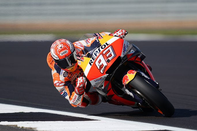 "MotoGP | Gp Silverstone FP4: Marquez ""frena"" le Yamaha"