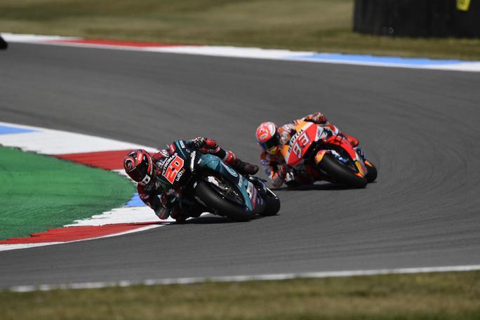 MotoGP | Gp Brno FP2: Quartararo beffa Marquez, Rossi nono