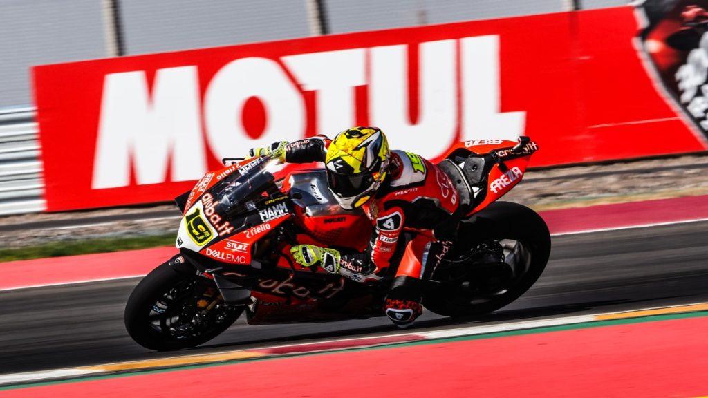 Superbike | Round Argentina, FP1: Alvaro Bautista inizia con il miglior crono