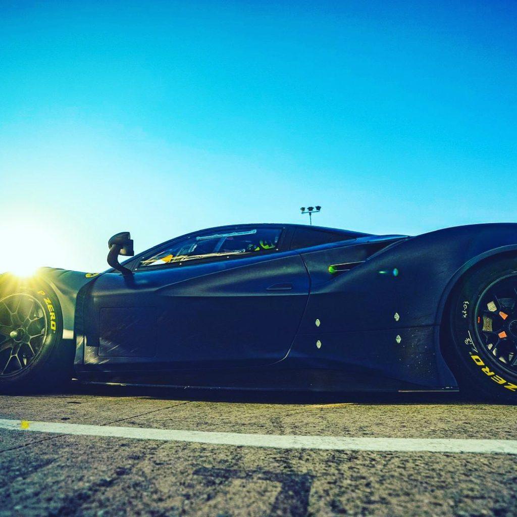 MotoGP | Valentino Rossi in pista a Misano con la Ferrari 488