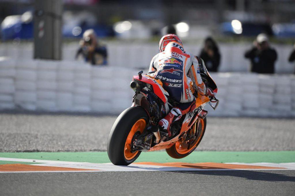 MotoGP | Gp Valencia Gara: Marquez piega Quartararo, Miller sul podio
