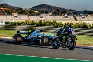 """Scambio F1 MotoGP: Valentino Rossi e Lewis Hamilton, """"Sensazione fantastica"""""""