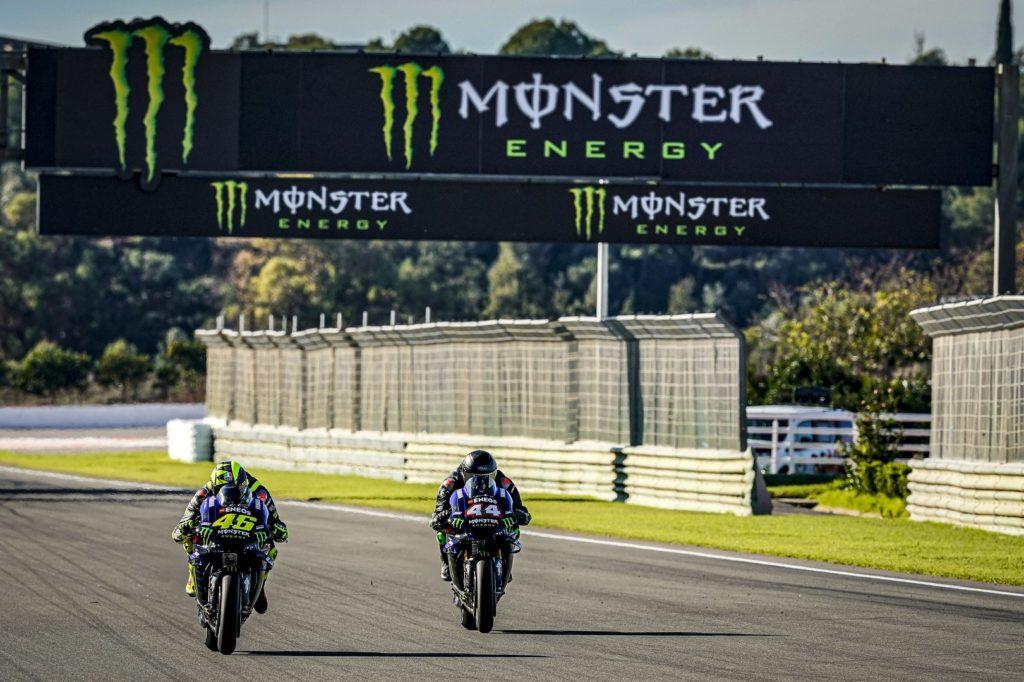 MotoGP |  Valentino Rossi VS Lewis Hamilton, la sfida [VIDEO E FOTO]