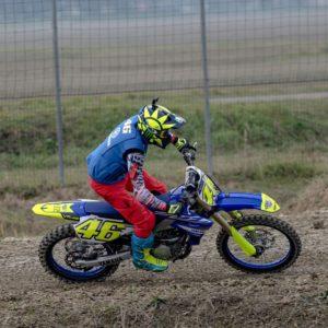 MotoGP   Valentino Rossi torna ad allenarsi con la moto da cross