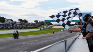 Superbike | Phillip Island, Gara2: Alex Lowes vince ed è leader